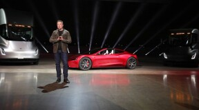 "New from Tesla: Electric ""Semi Truck"" and supercar ""Roadster"""