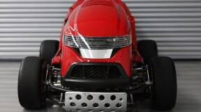 Lawnmower Racing: Honda Develops the Fastest Lawnmower in the World