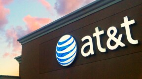 AT&T gains positions on the AI-front