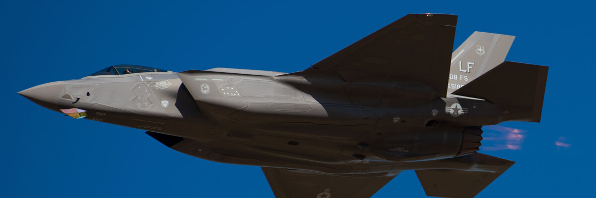 US Air Force veteran makes panoramic video on F-35 plane