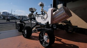 NASA loads nuclear fuel into the MARS-2020 rover