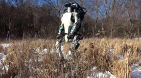 Atlas Robot from Boston Dynamics Learns Amazing Acrobatic Tricks