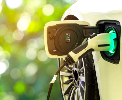 Charge your electric car from a street lamp