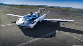 Stefan Klein shares his very first flight with the AirCar