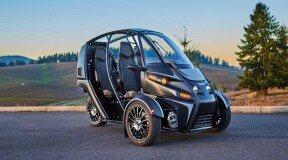 Arcimoto prototypes Roadster, three-wheeled electric road trike