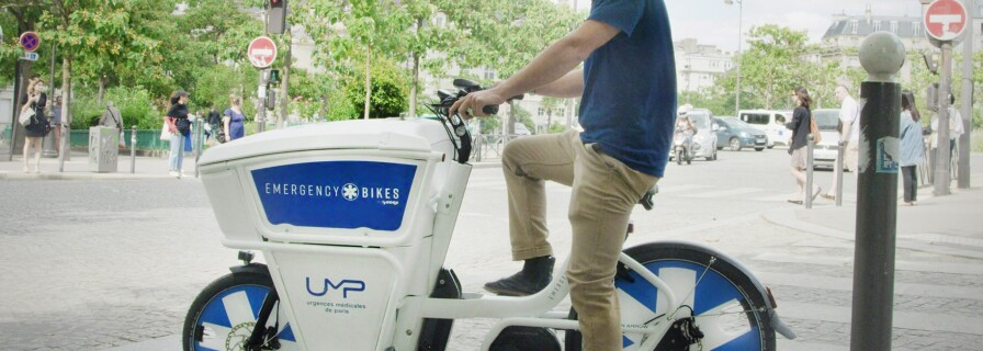 The Paris emergency services puts its staff on e-bikes
