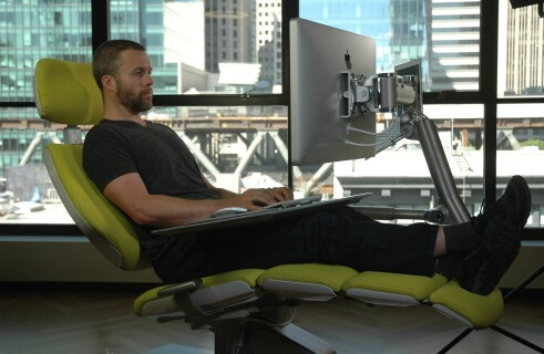 Altwork startup shows a table that lets you get horizontal at work